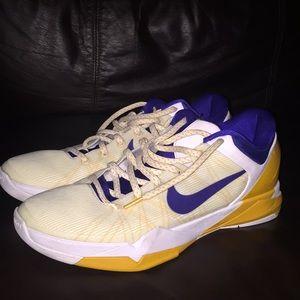 Nike zoom Kobe vii system